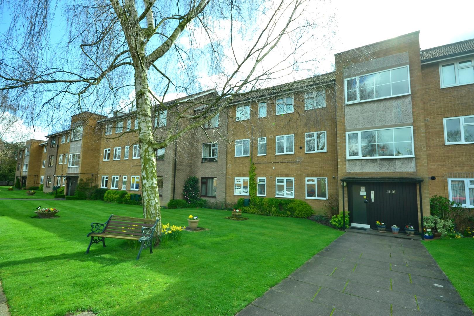 2 Bedrooms Flat for sale in Clarendon Park